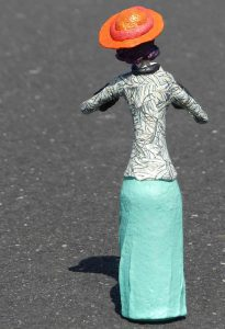 Skulptur Amelie aus Pappmaché