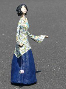handgefertigte Skulptur aus Pappmachee