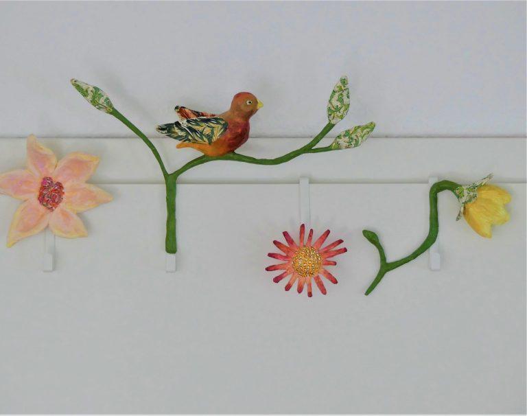Kleiderhaken für die Tür aus Pappmache von Frauke Lorenz