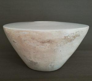 Vase aus Pappmaché in weiß