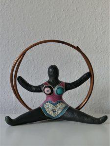 Pappmache Figur