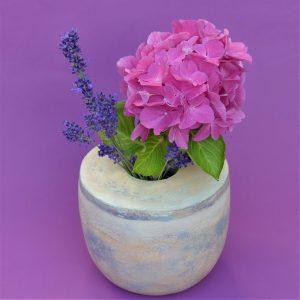 Vase aus Pappmaché