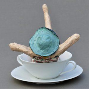 Barbara Skulptur aus Pappmachee 2 - Kopie-min