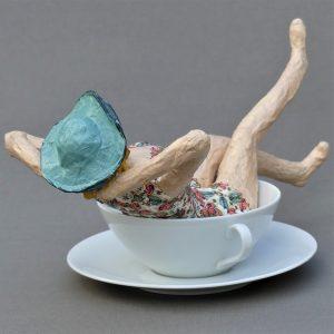 Barbara Skulptur aus Pappmachee 3