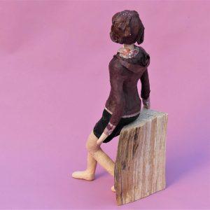 Elena Skulptur aus Pappmache 2-min
