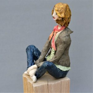 Jasmin Skulptur aus Pappmache 2