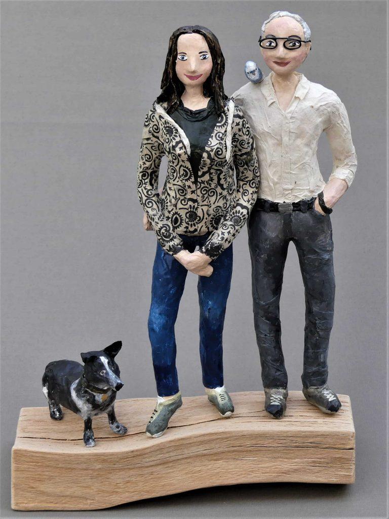 Figuren individuell gestaltet aus Pappmachee