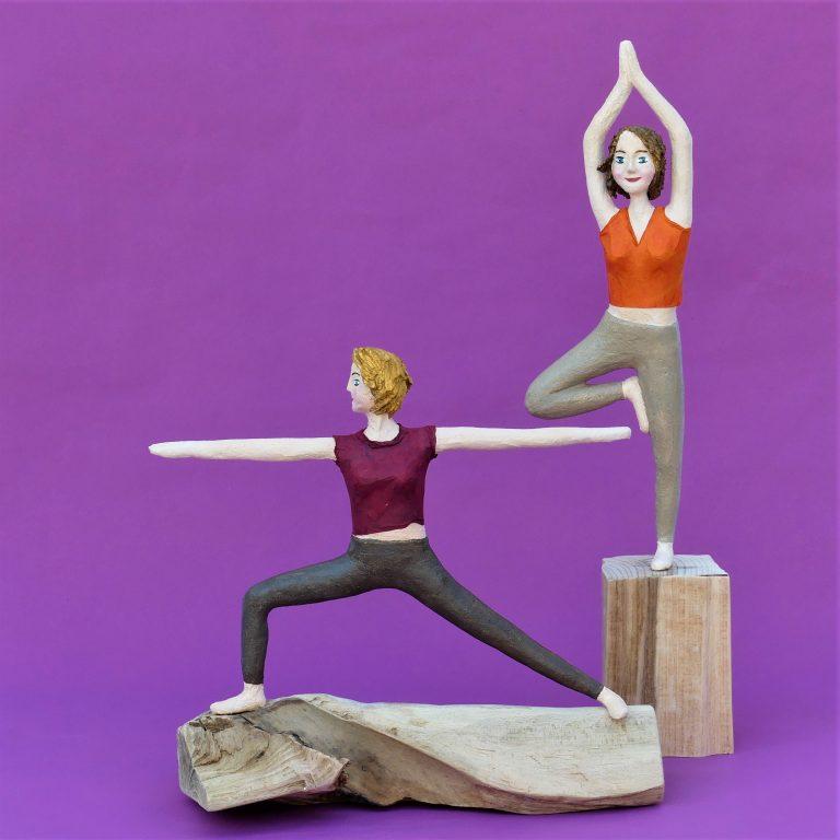 Katrin_Daniela_Yoga_Skulpturen aus Pappmachee