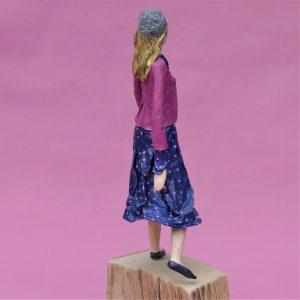 Malena Skulptur aus Pappmachee_4