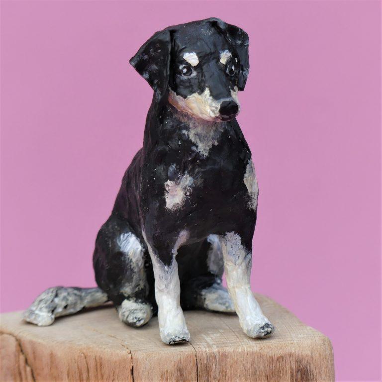 Rosi Hund aus Pappmache 2