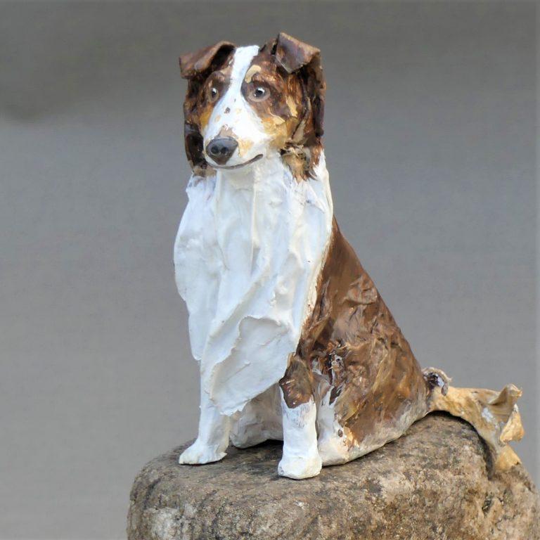 Stella Hund aus Pappmachee_2